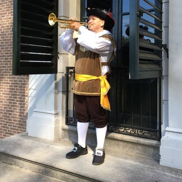 Herauten trompettist voor ontvangst van uw gasten